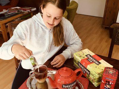 Potsdam, Leonardo-Da-Vinci Gesamtschule Hello it´s tea time! ;-)