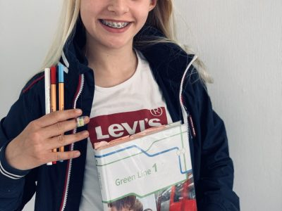 Hello I'm Alina, i'm 11 years old and from Brunsbüttel, near by the north sea. I go to Highschool in Brunsbüttel and i love learning English as you can see in my Photo. I would like to Win.