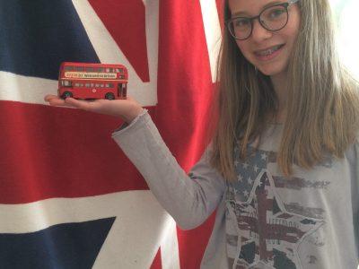Bielefeld Gymnasium Heepen  Ich verbinde mit Englisch, nicht nur die Sprache an sich, sondern auch die Kultur z.B die Flagge und den typischen Doppeldeckerbusse.