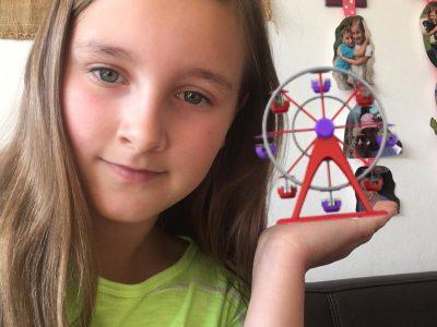 """Hallo, ich besuche das Siebold Gymnasium in Würzburg. Mein Name ist TONIA Büttner Klasse 5a.  London ist eine tolle Stadt und mein Bild soll das Riesenrad """"London Eye"""" symbolisieren."""