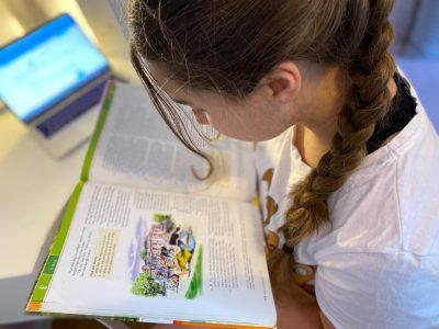 BERLIN, Erich-Kästner-Grundschule. am liebsten Lese ich Englische Texte!