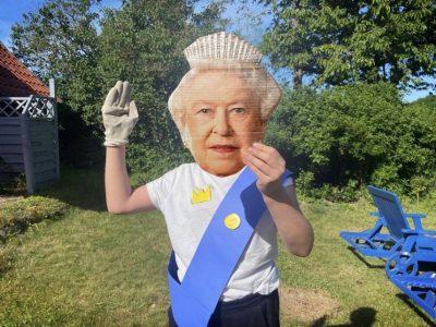 OMG! The Queen Wanst to Drink a Cup of Tea in my Garden!  - Hamburg  - Emilie- Wüstenfeld- Gymnasium