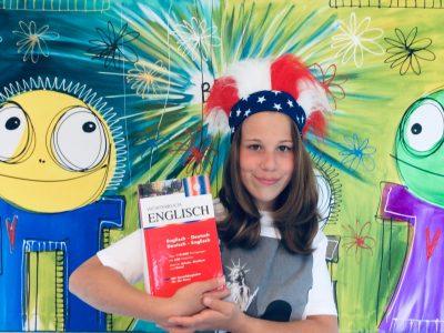 Willy Brandt Realschule Königsbach  Sophia Guida  Let's go for English time!  I'm crazy Sophia  Best regards