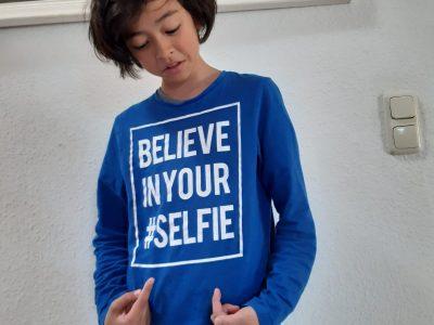 "Schwerin Goethe-Gymnasium. ""Believe in your SELFIE?!?"" ... Ich glaube an mein Selfie :^)"