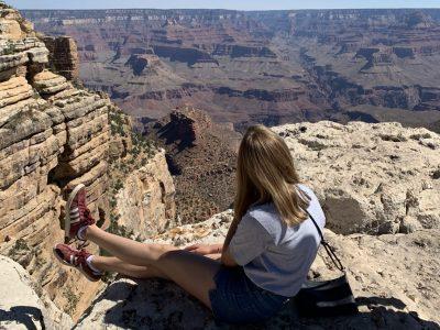 Maria-Sibylla-Merian Gymnasium Krefeld  Hier ein Foto von mir am Grand Canyon in Amerika