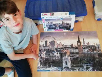 Essen, Theodor-Heuss-Gymnasium   Anstatt über Pfingsten London zu besuchen, hat Aurelius London Puzzle gemacht.
