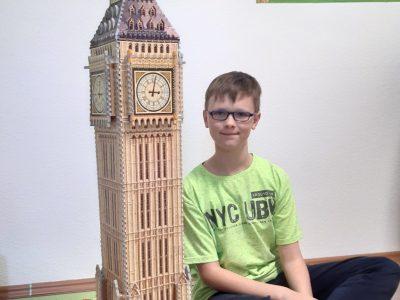 Mülheim / Ruhr, Gymnasium Broich - ich habe mir den Big Ben ins Zimmer geholt! In London ist er ja schon länger eingerüstet.