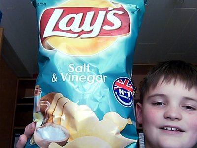 """Neckarbischofsheim, Adolf-Schmitthenner-Gymnasium  Zum Thema England sind mir gleich die typischen Chips """"Salt and Vinegar"""" eingefallen"""
