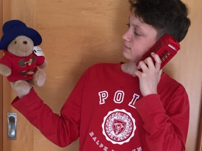 """Schwarzach, Egbert Gymnasium Münsterschwarzach """"Hello is there Paddington?"""""""