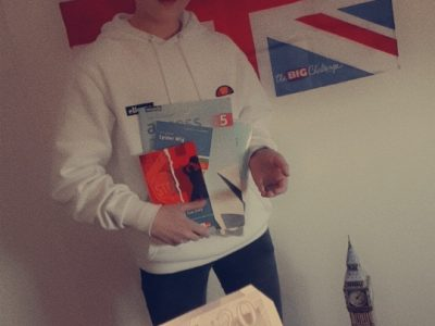 Krefeld/ Maria-Sibylla-Merian Gymnasium  Hello, my name is Ben. This is my picture with english objects. For example the big Ben from London, the flag of UK and a few Pounds/books of england. I hope you like it. Ben Kemp 7d