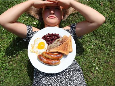 Prieros, Grundschule Prieros. English breakfast in the garden.