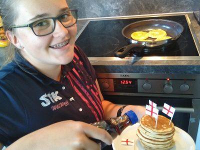 JKG Bruchsal  Ich beim Pancakes backen.
