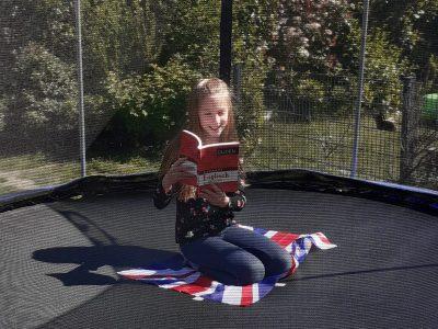 Bochum, Heinrich-von-Kleist Schule Reading in the open air - English is great anywhere!