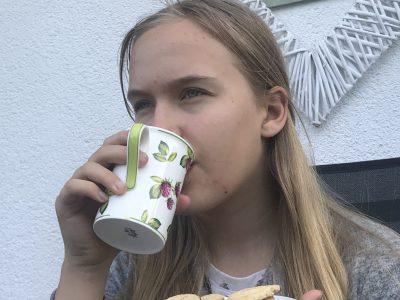 Möser Sekundarschule Möser Ein schöner Nachmittag mit Tee und Keksen im Garten    Leoni Robra