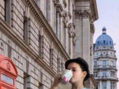Neuss  Nelly Sachs Gymnasium  Ich war in diesem Bild für 2 Sekunden in London und habe meinen leckeren schwarzen Tee getrunken, während ich den Big Ben bestaunt habe!