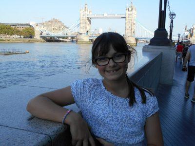Hans - Leinberger - Gymnasium Landshut  Ich hoffe, Ihnen gefällt mein Bild vor der Tower Bridge in London. Ich würde mich sehr über eine Sportkamera freuen.  Vielen Dank und viele Grüße Julia