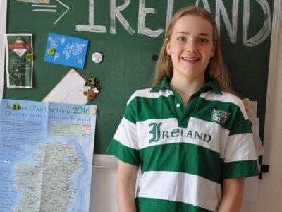 Augsburg, A.B. von Stettensches Institut  Das T- Shirt hat mir mein Vater vor einigen Jahren aus Dublin mitgebracht, damals war es mir viel zu groß. Nächstes Schuljahr werde ich ein Auslandsjahr in Irland machen und jetzt passt auch das Shirt. Das kann doch kein Zufall sein,  oder? Als hätte er es damals schon gewusst...;)