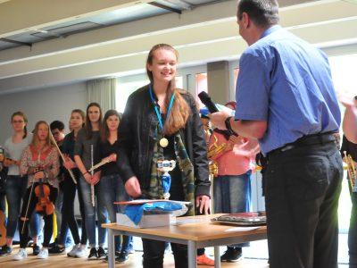 Siegerehrung für unsere Bundessiegerin Alice Enders am Vincent-Lübeck-Gymnasium in Stade - Herzlichen Glückwunsch :-)