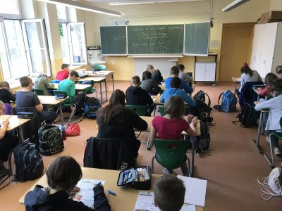 Neudietendorf, von - Bülow - Gymnasium, die Schüler geben alles, um die richtigen Lösungen zu finden