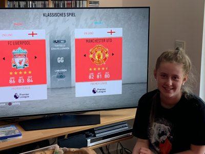 """Speyer, Nikolaus-von-Weis-Gymnasium Kurze Pause nach """"The big challenge"""": FC Liverpool gegen Manchester United - leider nur virtuell auf der PlayStation."""