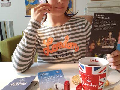 München, Städtisches Käthe-Kollwitz-Gymnasium Ich habe die Sachen selber besorgt, da ich in London war. Es war ein sehr tolles Erlebnis! Ich war im Tower, im Harry Potter Studio, im Royal Observatory, auf der Tower Bridge und vieles mehr. I love London!!! Empfehle ich sehr!!