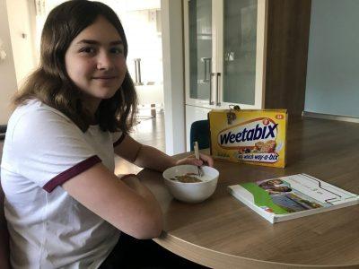 Lingen, Franziskusgymnasium  Dies ist mein Englisches Frühstück. Im Herbst waren meine Familie und ich in London bei einer Gastfamilie. Dort haben wir zum ersten mal      Weetabix gegessen. Das war das Lieblingsfrühstück der Tochter und mittlerweile ist es auch meins!