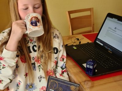Bergisch Gladbach Integrierte Gesamtschule Paffrath (IGP)  Tea time with Meghan and Harry next to the tardis of Dr. Who :-)