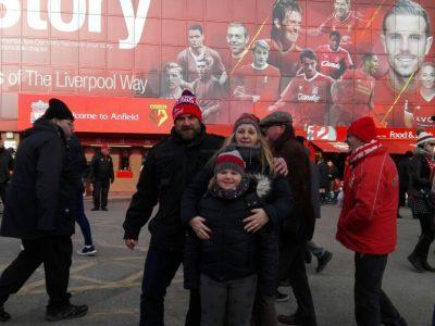 Haldensleben, Professor-Friedrich-Förster-Gymnasium Auf dem Bild bin ich mit meiner Familie vor dem Spiel FC Liverpool gegen FC Watford 2018. Spannung pur mit dem Ausgang 5:0 für Liverpool ;)