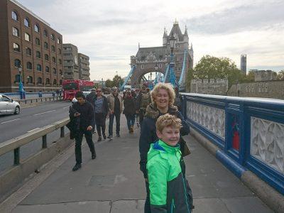 Krefeld Gymnasium Fabritianum Kommentar: Auf der Tower Bridge in London