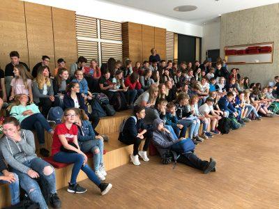 Ev. IGS Wunstorf Zuschauer bei der Preisverleihung des 7. Jahrgangs