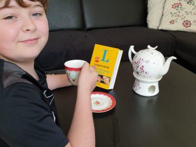 Braunschweig Gaußschule  Tee trinken beim Englisch lernen