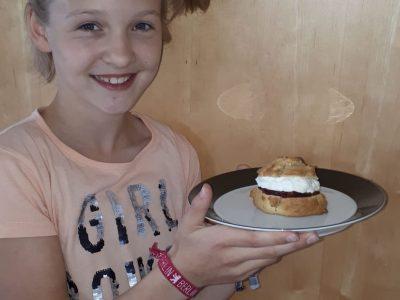 Frieda Strugholz Gymnasium Antonianum Geseke Scones: very British!! And very yummy...