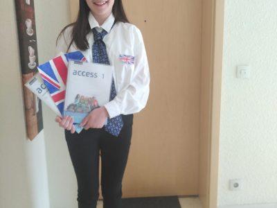 "IKS- Ruesselsheim   ""I love school uniform and my favorite language is english.."""