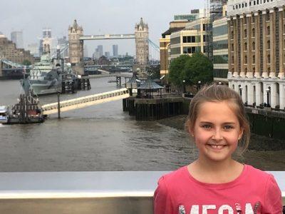 Solingen, Gymnasium Schwertstr.  Ich in London mit Blick auf die Tower Bridge