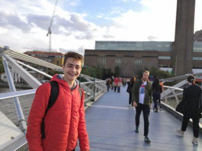 76297 Stutensee Blabkenloch Thomas-Mann-Gymnasium  Dieses Bild wurde auf der Millennium Bridge vor der Tate Modern aufgenommen.