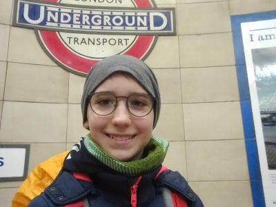 """Bad Ems, Timo Stelzer  Das Bild ist von meiner ersten Reise nach London und für mich ein unbezahlbares Erlebnis Auf diesem Bild gehen wir das erste Mal zum Underground und ich war sooo aufgeregt!!! Mein Lieblingswort im Underground war """"MIND THE GAP""""!"""