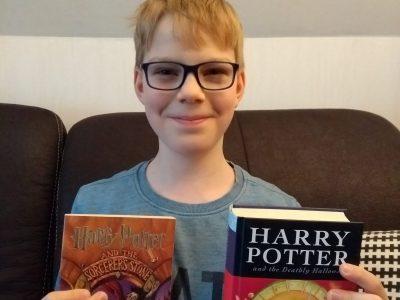 Gymnasium Schloß Holte-Stukenbrock, Klasse 5b Ich bin ein großer Harry Potter-Fan und freue mich schon sehr darauf, wenn ich genügend Englisch kann, um die Bücher auch auf Englisch lesen zu können!