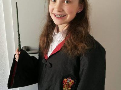 Duisburg,St.Hildegardis Gymnasium Ich bin ein sehr großer Harry Potter Fan und freue mich schon sehr,wenn ich mir die Ausstellung in London anschauen kann.