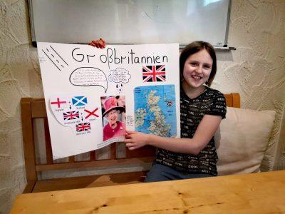 Dinslaken Gustav-Heinemann-Gymnasium  Hanging around with the queen of england is so much fun :-)