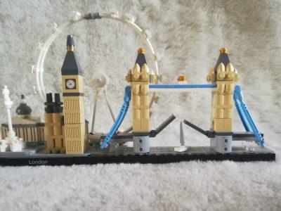 Meckenheim, Konrad Adenauer Gymnasium    Lego aus London ,welches die Skyline von London zeigt.
