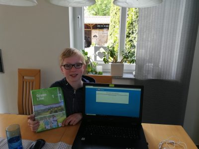 Town(Stadt):Ostbevern      Name of the school:  Gymnasium Johanneum (class: 5c)  My name is Jan Höppener. I am 11 years old and I live in Ostbevern. I like English that`s  my favourite lesson. My hobbies are tennis and cycling.  Bye  Jan Höppener