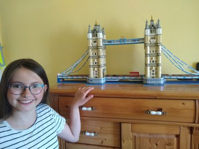 Stadt: Weilerstwist   Namen der Schule: Gesamtschule Weilerstwist    Diese Tower Brigde ist erbaut worden aus Lego vom meinem Papa und mir!