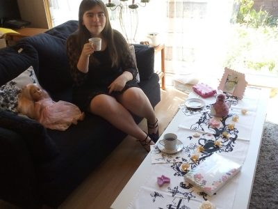 Lahde: Sekundarschule Petershagen  Tea Time mit der Queen :-)