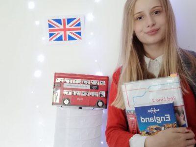 Kaufbeuren, Marien- Realschule Kaufbeuren   Eine schuluniform wie in England . Ich würde mich sehr freuen wenn ich gewinnen würde daher ich schon immer so eine Kamera haben wollte. Lg Magdalena
