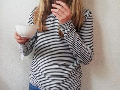 Liebe Damen und Herren,  Stadt:Stuttgart,Name der Schule: Elly-Heuss-Knapp Gymnasium. Kommentar: Ich finde,dass Schokolade und Tee typisch Englisch ist,denn Engländer trinken Nachmittags immer Tee mit Keksen und essen aber auch sehr gerne Schokolade. Mit freundlichen Grüßen Liliane Heinzelmann