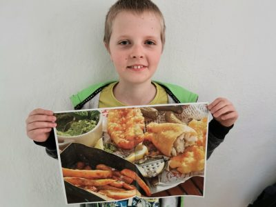Stadt: Osterholz - Scharmbeck  Schule: Gymnasium OHZ My name is Bjarke Püttmann. I like england most, because my favourite lunch is fish and chips with vinegar
