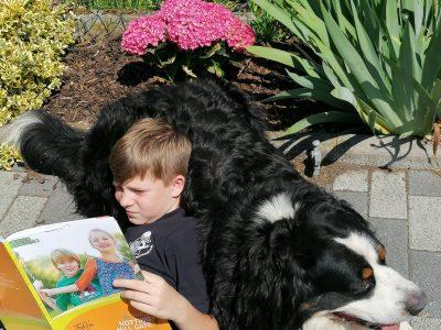 "Frankfurt am Main, Carl von Weinberg Schule  ""My dog helps me learn. He follows me wherever I go!!!"