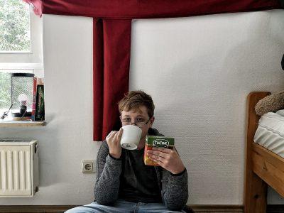 Zetel, IGS-Süd  Tea-Time under my curtain-flag.