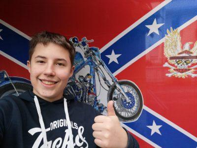 Stadt: 79664 Wehr    Schule: Realschule Wehr  Mit meiner guten alten Harley Davidson will ich als erstes durchs Ziel, denn was ist Amerikanischer als so ein Biest...