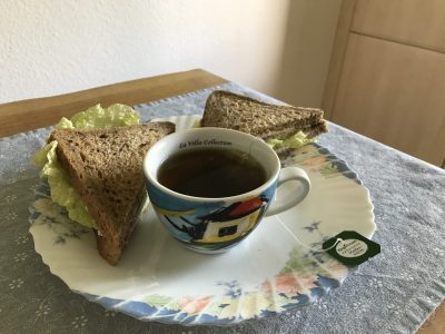Meuselwitz, Veit-Ludwig-von-Seckendorff Gymnasium  Mein Bild gibt eine englische Tea-Time wieder.
